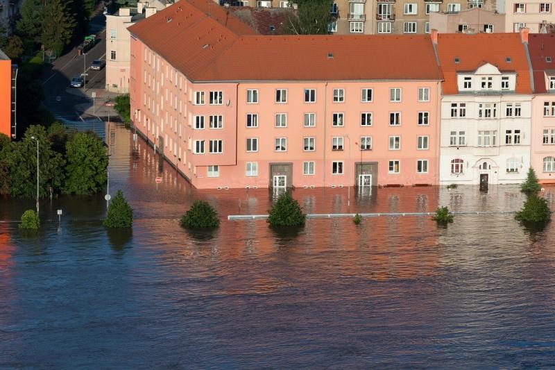 Pożar, powódź, huragan, kradzież, rabunek  - czyli na co Ci ubezpieczenie domu i mieszkania